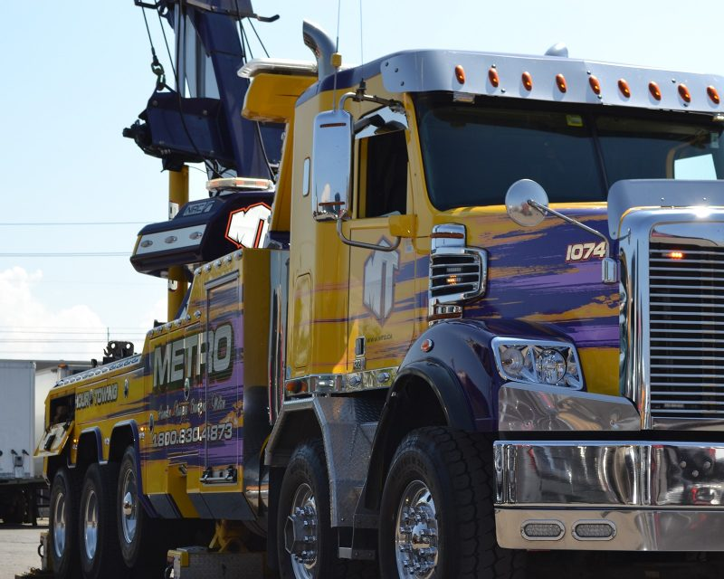 Metro Truck Group: Affordable Towing Company in Hamilton
